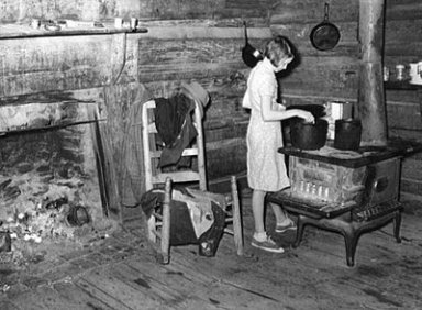 an analysis of the lives of the poor unemployed and homeless in 1930s in the united states The great depression began in august 1929, when the united states economy  first went into  the market crash marked the beginning of a decade of high  unemployment, poverty, low  it had severe effects in countries both rich and  poor  between the 1920s and 1930s, the united states began to try the tight  money.