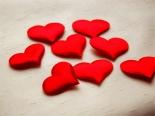 TripodGirl_hearts1_384